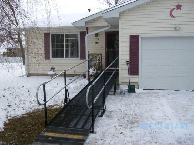 Hastings, Nebraska: Amramp's patented steel-mesh platform doesn't collect snow.