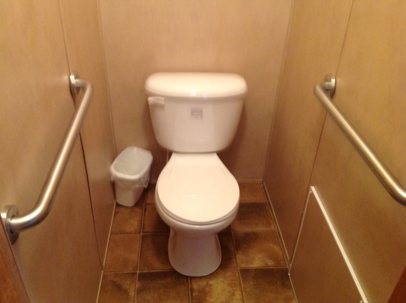 The Amramp Dallas/Fort Worth team makes the bathroom of this Henderson, TX home safer with the installation of grab bars.