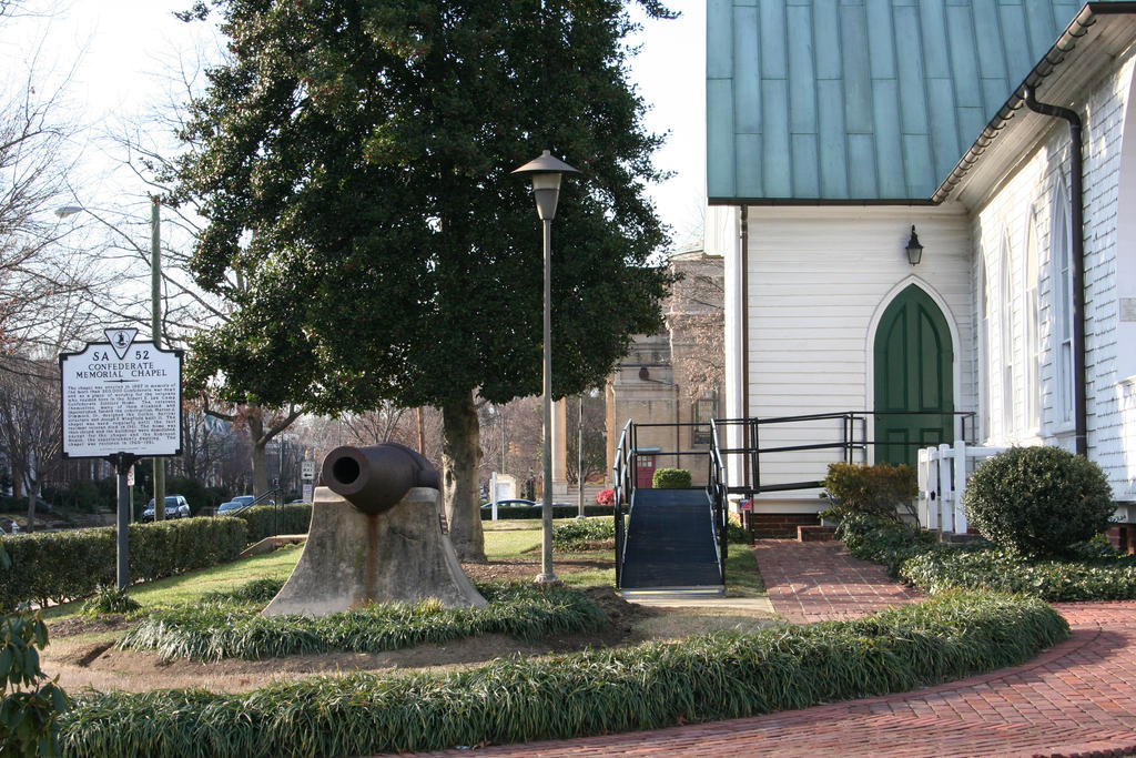 An Amramp ramp ensures accessibility for all at the Confederate Memorial Chapel in Richmond, VA.