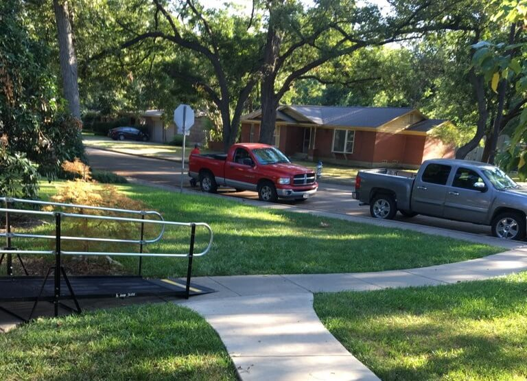 The Amramp Dallas/Fort Worth team installed this ramp with 6 hours notice from a Dallas woman who needed to see a doctor the following morning. Using the internet, photos, and measurements, the team was able to install this 20 ft. ramp.
