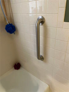 Amramp of Eastern Tennessee recently traveled to Knoxville, TN and installed this bath grab bar at a customers residence.