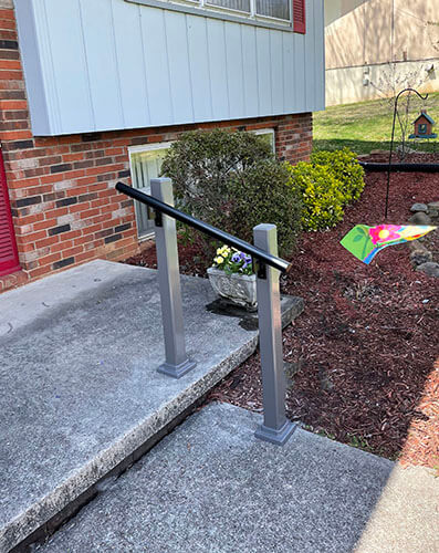 Amramp of Eastern Tennessee recently traveled to Knoxville, TN and installed this hand railing at a customers residence.