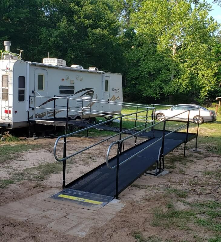 An injured worker in Shreveport, LA is able to get out of his RV home for the first time in two weeks with the help of a ramp from Amramp while he recovers.