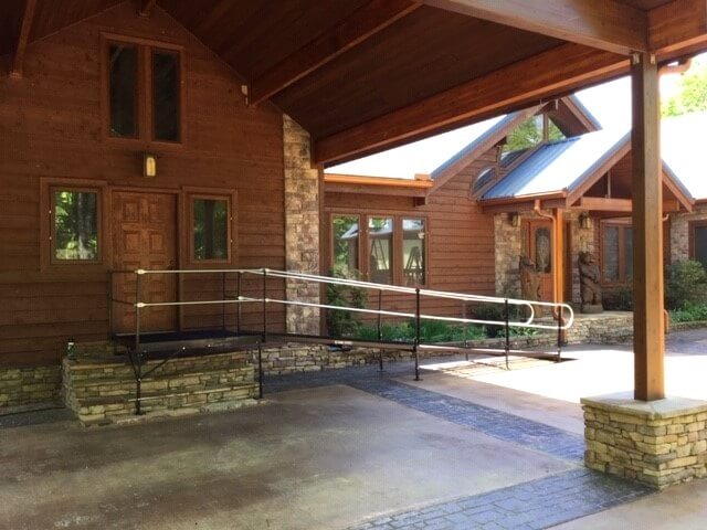 Dave Taylor and the Amramp East TN team installed this ramp at a beautiful home on top of Signal Mountain, just in time for the client to come home from rehab.