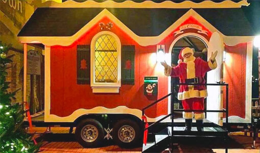 This is the fifth year that Amramp Southeastern Wisconsin has lent Santa a hand. In other years we placed a ramp on Santa's Watertown WI house so children could visit with him. This year, with Covid precautions we built an outdoor platform for Santa to visit his young admirers at a safe distance. Amramp Southeastern Wisconsin is proud to help Santa continue to make life accessible and grant wishes.