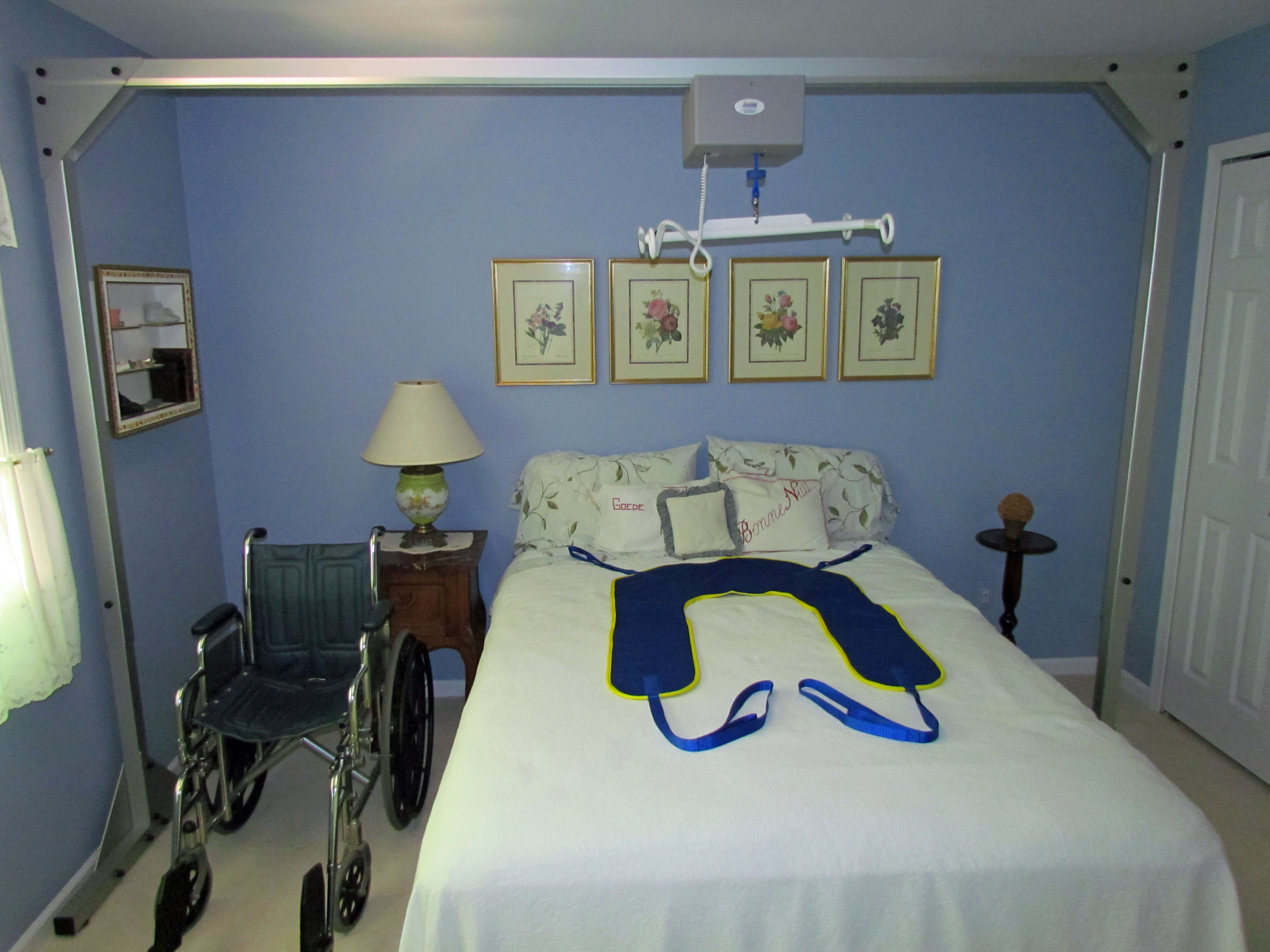 Amramp Overhead Patient Lift helps caregivers move patients from wheelchairs to their beds.