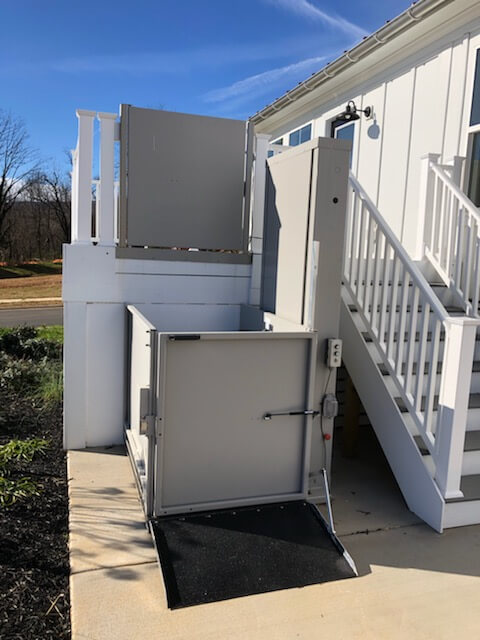 The Richmond Amramp team installed a vertical platform lift to the Pleasant Green Clubhouse in Crozet, Virginia. This product allows wheelchair access to the clubhouse for the many residents of the Pleasant Green development built by Stanley Martin Homes.